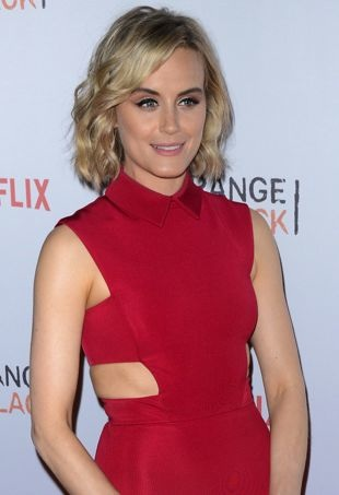 Taylor-Schilling-OITNBFanEvent-portraitcropped