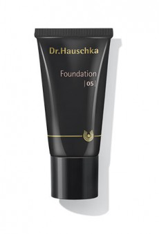 Dr. Hauschka's Foundation Gets a Makeover and It's Our New Summer Favorite