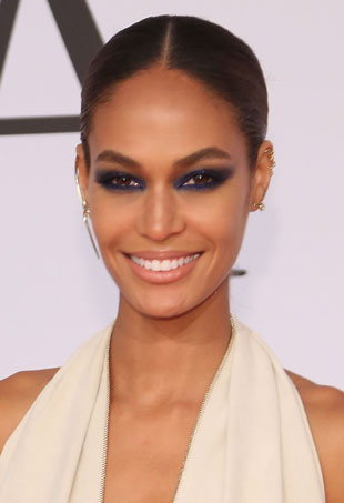 joan-smalls-cfda-smoky-eye
