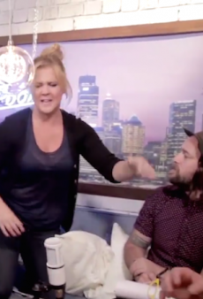 Watch: Amy Schumer Fires Up at Bondi Hipsters for Illuminati Accusation