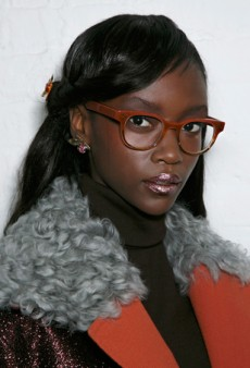 Gorgeous Hair and Makeup Ideas for Girls Who Wear Glasses