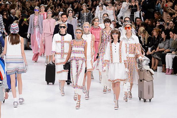 Chanel Spring 2016 runway