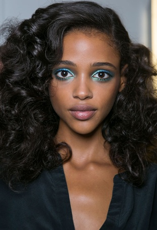 diane-von-furstenberg-spring-summer-2016-black-girl-guide-tangle-free-hair-portrait