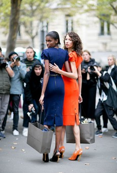 Models Off Duty: 90 Gorgeous Street Style Snaps from Paris Fashion Week