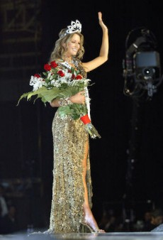 11 Glorious Throwbacks From Jennifer Hawkins' Miss Universe Reign