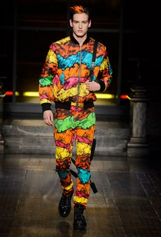 Moschino Men's Fall 2016 Runway