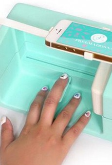 This Robot Turns Your Smartphone Into a Nail Salon