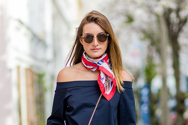 10 Easy Ways to Tie a Scarf: Video