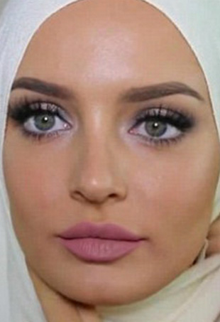 When Chloe Morello, a successful beauty vlogger, donned a hijab during an Eid-dedicated tutorial, many of her viewers were not pleased.