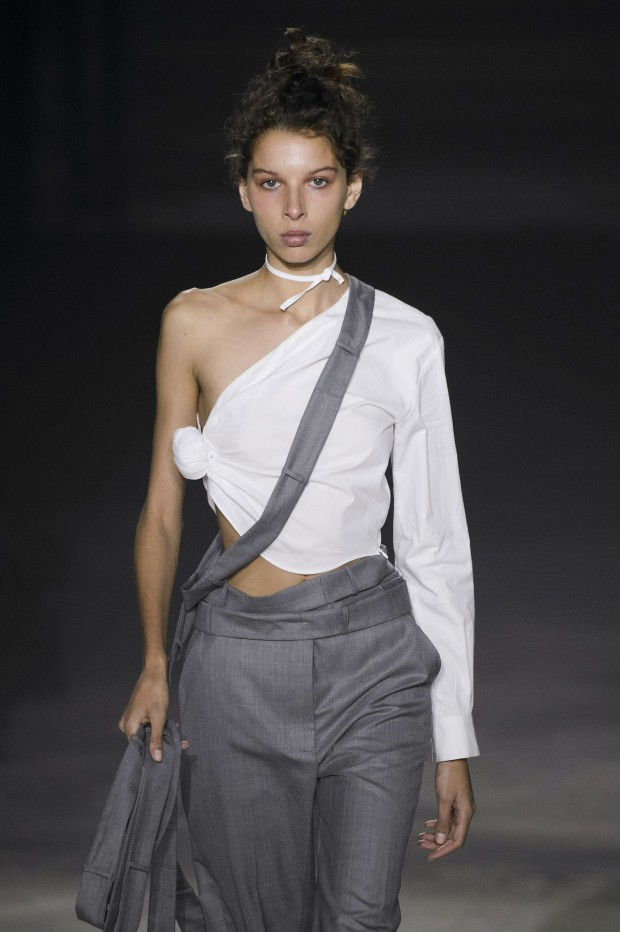 A one-shoulder look at Jacquemus Spring/Summer 2016.