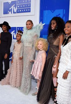 Beyoncé Blows Our Minds (Again) With Her Powerful VMAs #Squad