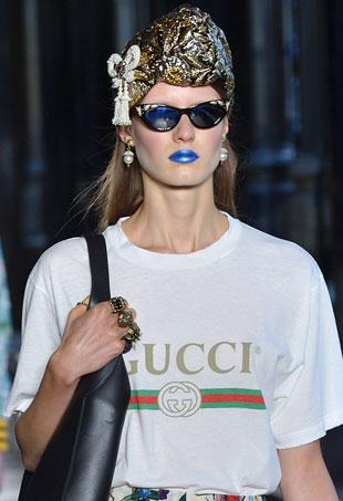 blue-lipstick-p