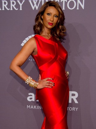 NEW YORK, NY - FEBRUARY 08: Iman arrives at the 19th Annual amfAR New York Gala at Cipriani Wall Street on February 8, 2017 in New York City. (Photo by Kevin Tachman/Getty Images)