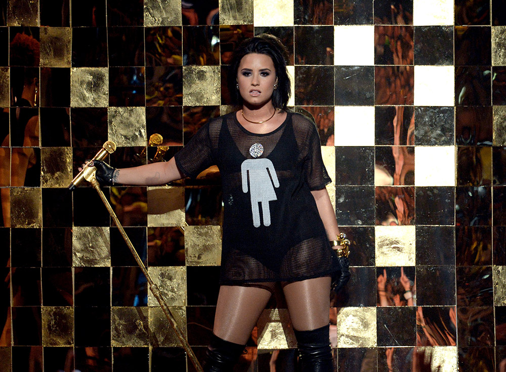 87f449930 20 Times We Were Inspired by Demi Lovato s Style