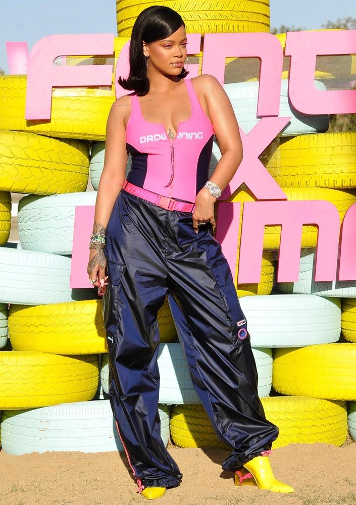 Rihanna, Weekend 1, Day 2