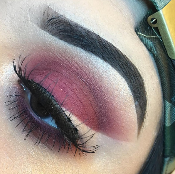 22 Floating Eyeliner Looks That Put Your Cat Eye To Shame