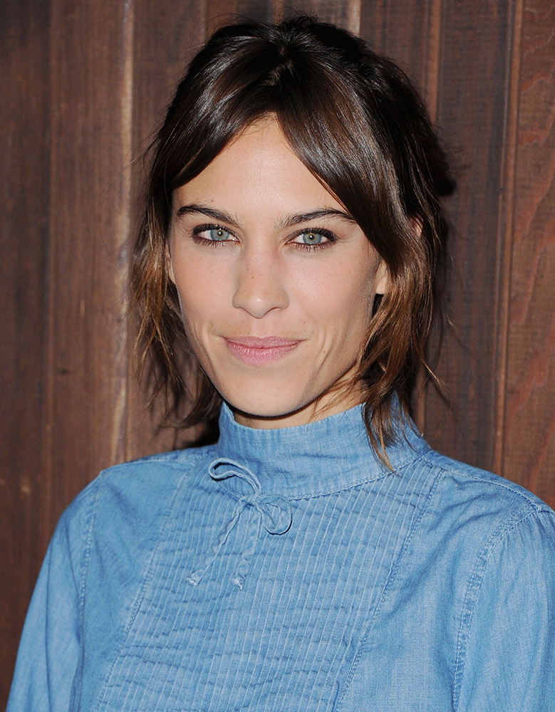 42 Cool Girl Hairstyles With Bangs Thefashionspot