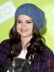 Selena Gomez's Hat Control