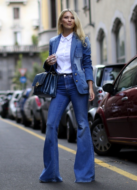 f543d12bb9e7e 20 Real-Life Ways to Wear Your Favorite Jeans