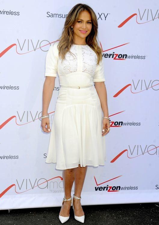 Jennifer Lopez at the Viva Móvil Flagship Store Opening