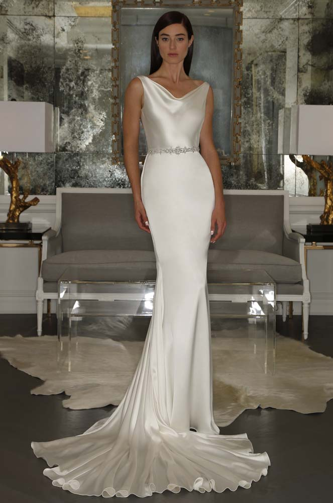 25 Most Beautiful Bridal Gowns of Fall 2015 - theFashionSpot