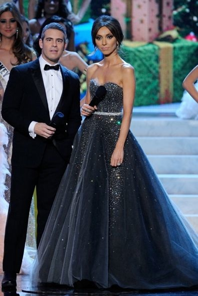 Giuliana Rancic Co-Hosting the 2012 Miss Universe Pageant