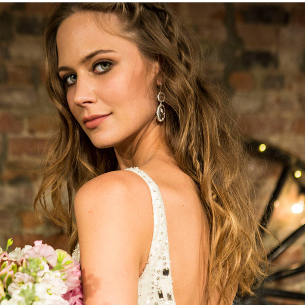 Hairstyles for wedding party 2017 : Wedding Hairstyles and Makeup Ideas: Bridal Fashion Week Spring
