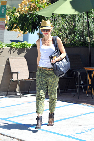 Gwen Stefani in Voluminous Trousers