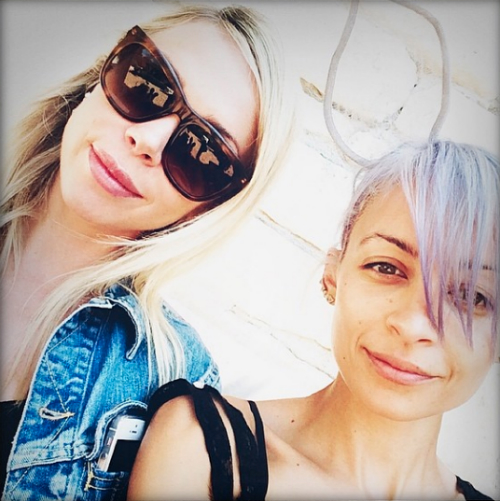 Nicole Richie is fresh faced for an egg hunt