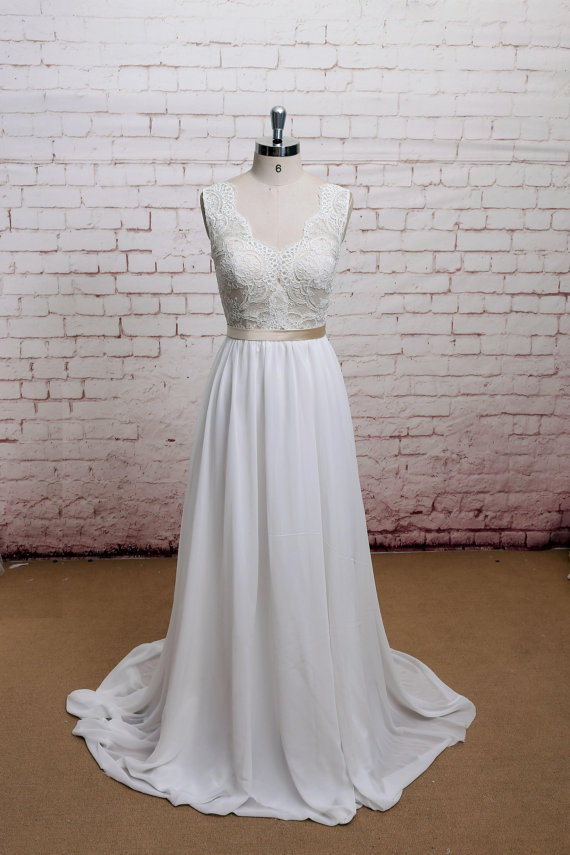 Cheap Wedding Dresses We Found on Etsy - theFashionSpot