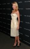 Go One Size Down, Naomi Watts