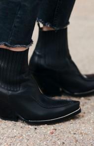 12. Nouveau Cowboy Boots