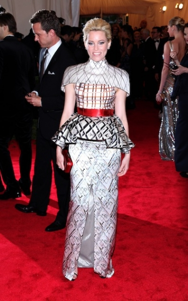 Elizabeth Banks in Mary Katrantzou