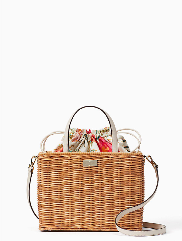 Kate Spade New York  Raffia and Straw Basket Bags Are the Surprising City Essential for Spring 2018 kate spade new york bloom street sam bag