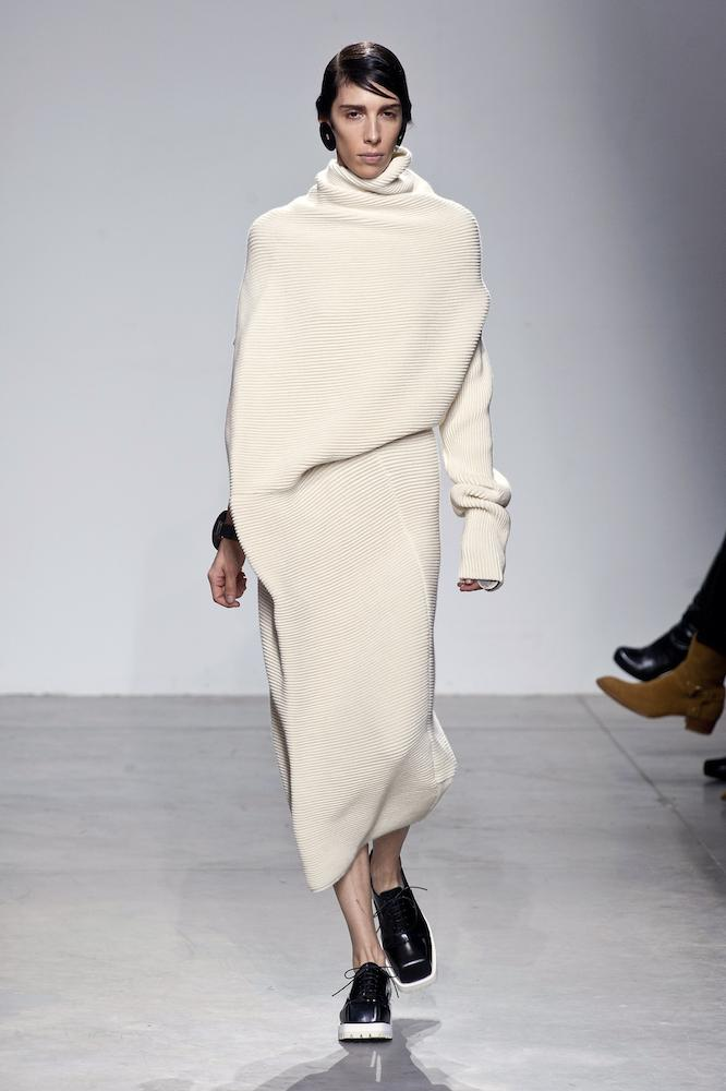 Elongated Lengths at Acne
