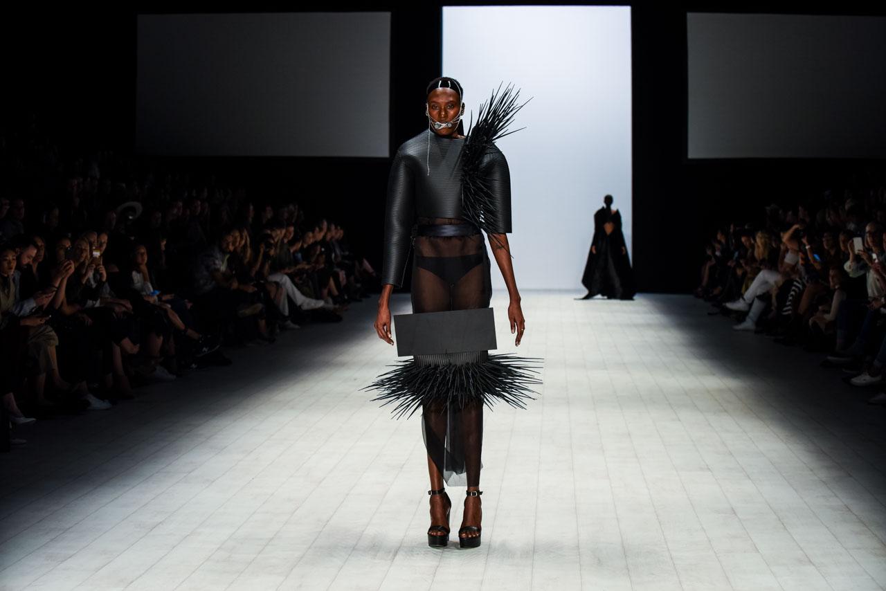 Robotic 3D knitting helps keep Australian fashion design Australian fashion design industry