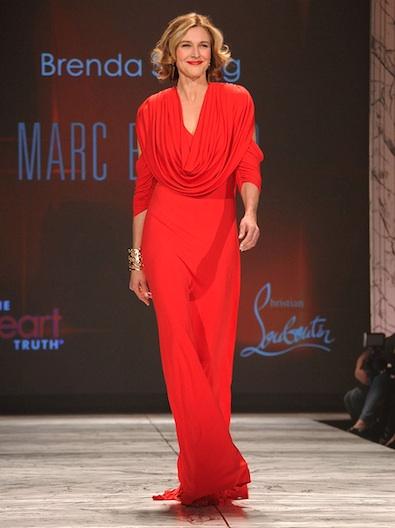 Brenda Strong in Marc Bouwer