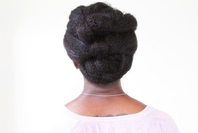 20 super easy updos for beginners thefashionspot easy knotted updo for natural hair pmusecretfo Gallery
