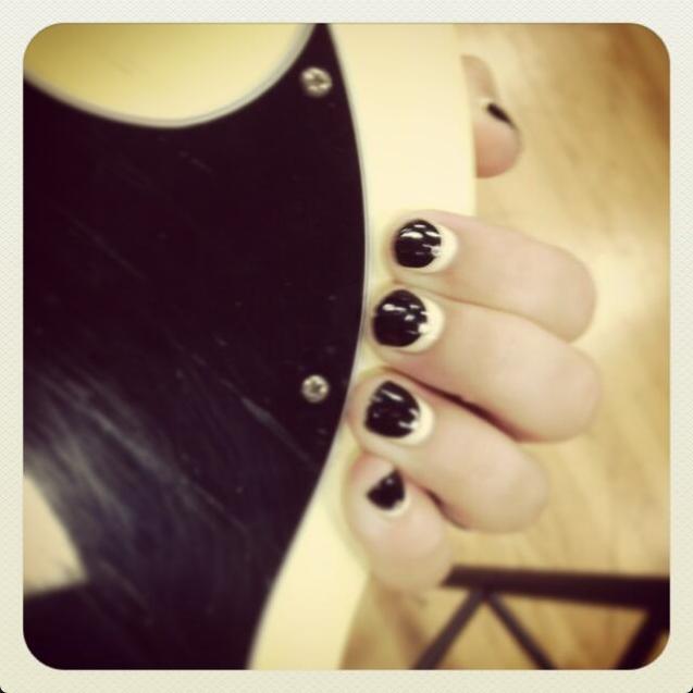 Demi Lovato's Rockin' Manicure