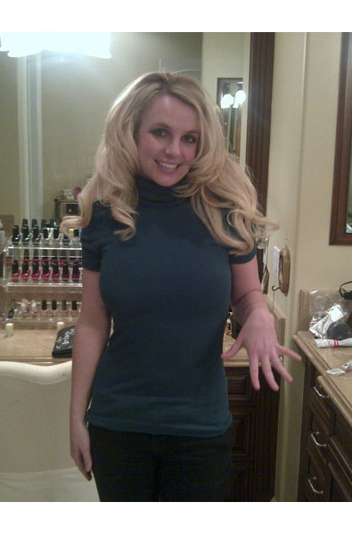 Britney Spears is Dazzled by Her Own Bling