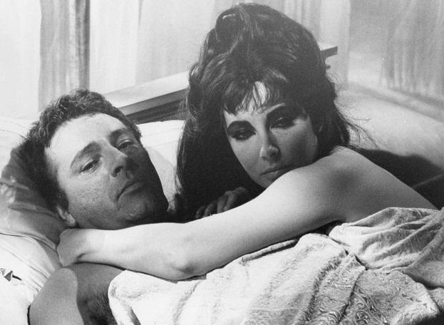 Liz Taylor and Richard Burton in Cleopatra