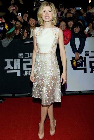 Rosamund Pike Jack Reacher Fan Screening South Korea January 2013 cropped