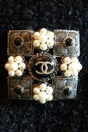 Chanel-brooch