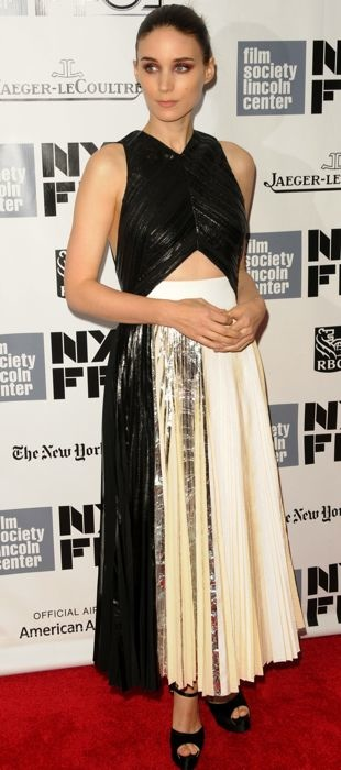 Rooney-Mara-51st-New-York-Film-Festival-Premiere-of-Her-and-Closing-Night-Gala-Oct-2013