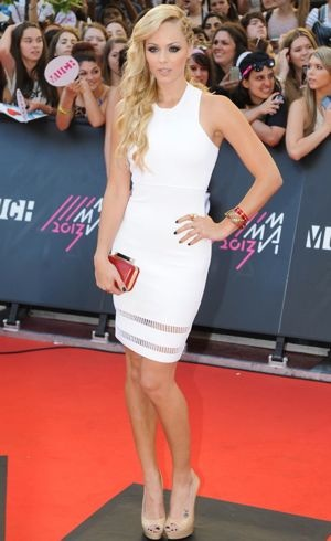Laura-Vandervoort-2013-MuchMusic-Video-Awards-Toronto-Jun-2013