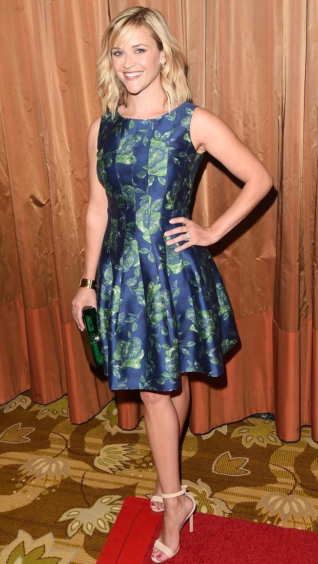 Reese Witherspoon Blossoms In Oscar De La Renta S Blue And
