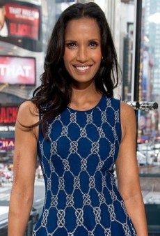 Padma Lakshmi Co-Hosts 'Extra' in Blue Knotted Rope Dress