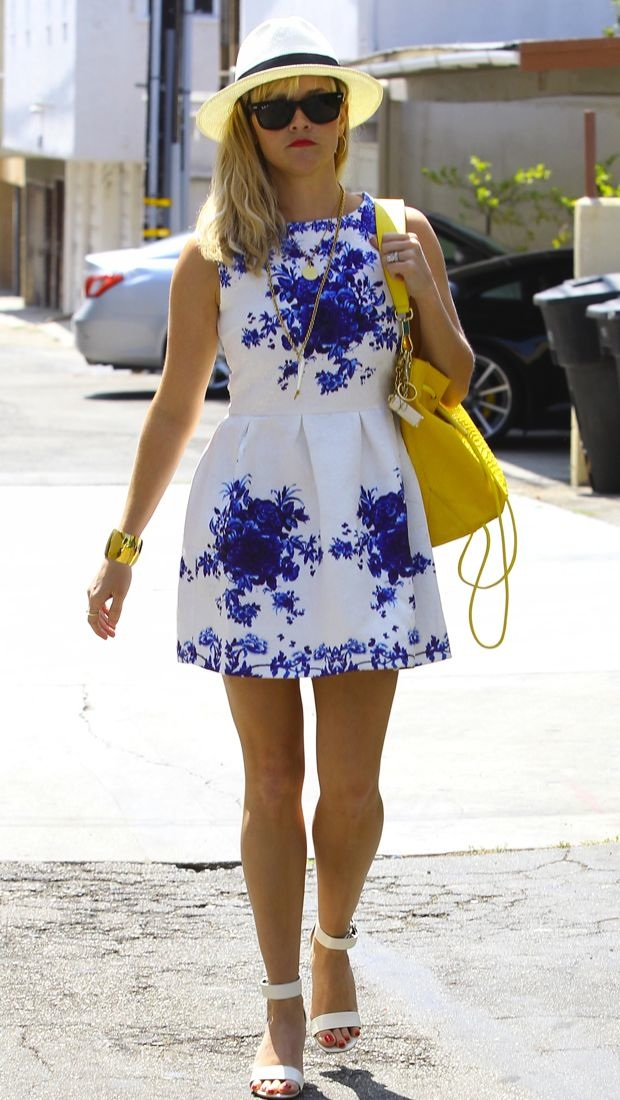 Reese Witherspoon Is Summer Chic In Venice Thefashionspot