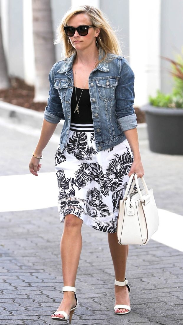 Reese Witherspoon Steps Out In A Tropical Print J O A