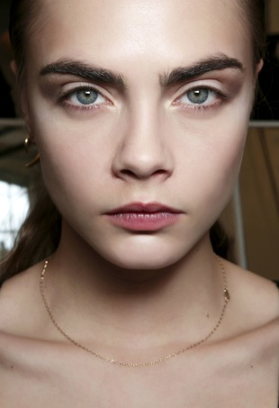 The thick brow beauty ideal